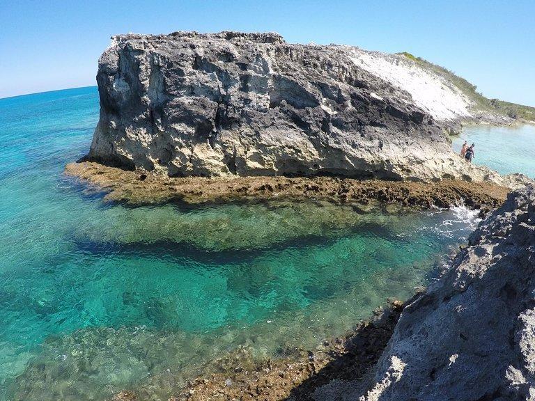 Rachels Bubble Bath, Bahamas Yacht Charter