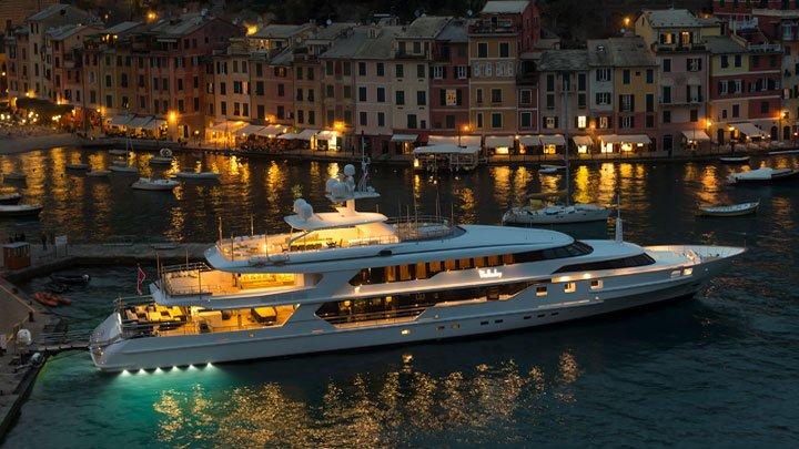 wellesley charter yacht