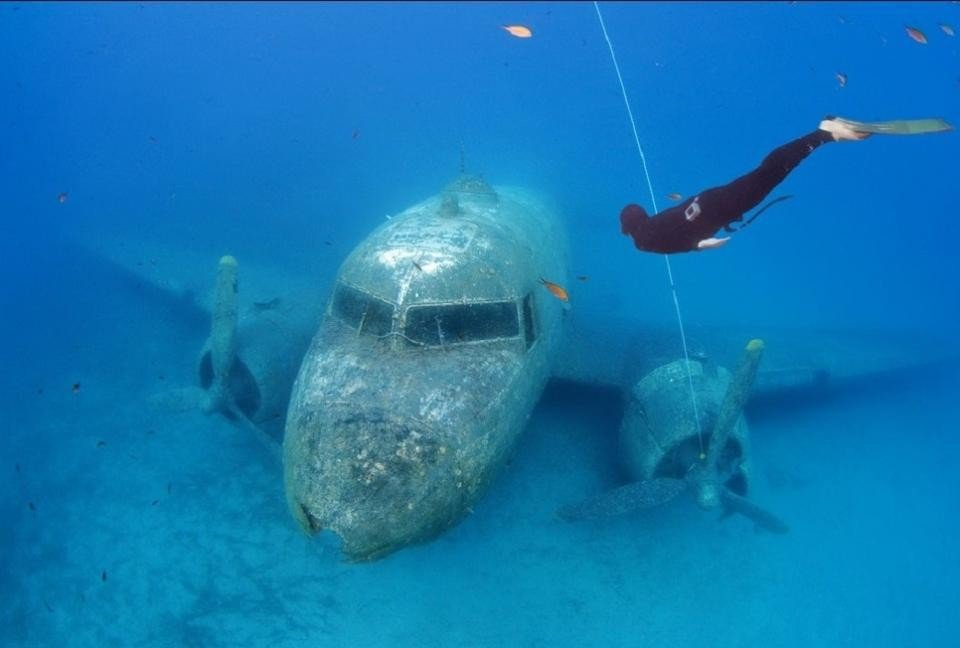 airplane wreck dive st barts